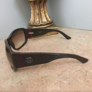 GUCCI Accessories - GUCCI SUNGLASSES WITH LOGO ON EACH STEM IN BROWN